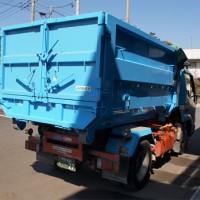 ダンパー(廃棄物処理車) 小型脱着式コンテナ車 斜め後ろ